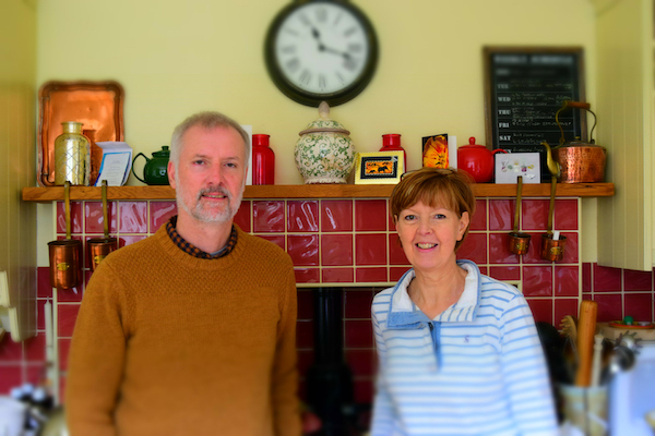 Blue Noun English Language School Host Family accommodation Kieth and Fiona