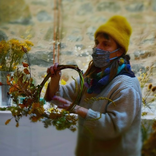 Wreath making demo for Blue Noun English language School Meet the Makers immersion English Guest Speakers